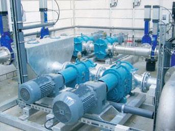 渣油泵安装现场